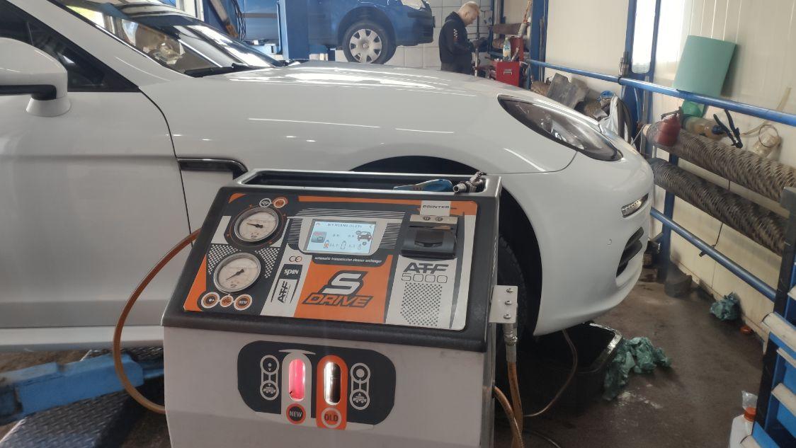 Porsche Panamera podczas wymiany